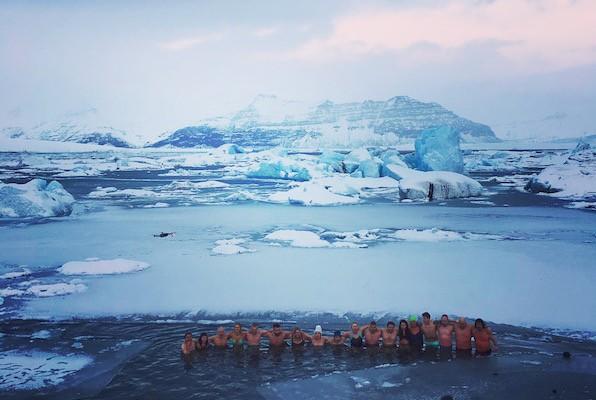 IJsmantraining: Zwemmen tussen IJslandse ijsbergen