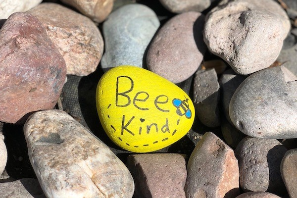 Zó ontdek je de vriendelijkheid van anderen door avontuur